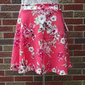 Charlotte Russe Skirts - Charlotte Russe floral skirt sz L